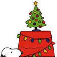 snoopy christmas dog house snoopy christmas doghouse animated gifs photobucket