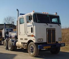 kenworth vs peterbilt spotters guide the 362 and 372