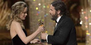 brie larson casey affleck brie larson defends her reaction to casey affleck s oscar win