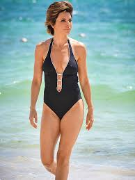 lisa rinna weight off middle section hair rhobh s lisa rinna i m a dirty vegan lisa rinna lisa and