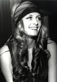hairstyles for hippies of the 1960s the 20 best 70s hairstyles 70s hair hair style and twiggy