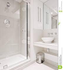 Modern Bathroom Shower Ideas Exellent Modern Bathroom Showers With Large Glass Panels Look