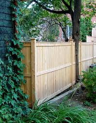 Fence Line Landscaping by 219 Best Fences Images On Pinterest Privacy Fences Fence Ideas