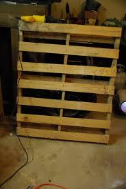 Kitchen Island And Bar Decorating Diy Pallet Wine Rack Step1 For Kitchen Decor Using
