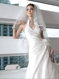 robe de mariã e avec dentelle conseils pour une coiffure en harmonie avec sa robe de mariée