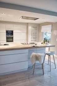 cuisine équipée blanc laqué cuisine blanc laque et bois beau cuisine blanc et bois 17 cuisine