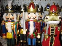 best places to buy decorations in valencia santa clarita