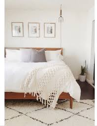 White Rugs 111 Best Decorating With The Beni Ourain Inspired Moroccan Rug