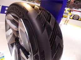 chambre a aire voiture voiture du futur les pneus un secteur porté par l innovation à