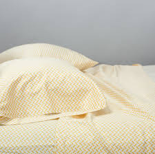 bed sheets a curbed guide curbed