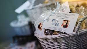 wedding gift donation to charity new wedding trend skip tired party favors donate instead