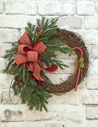 Florist Decorated Christmas Wreaths by Best 25 Door Wreaths Ideas On Pinterest Letter Door Wreaths