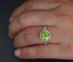 peridot engagement rings gorgeous peridot i want this ring my birthstone bling