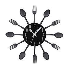 horloge cuisine couverts conception horloge murale en métal coloré couteau