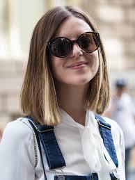 Frisuren Schulterlanges Durchgestuftes Haar by Die Besten 25 Mittelscheitel Frisuren Ideen Auf