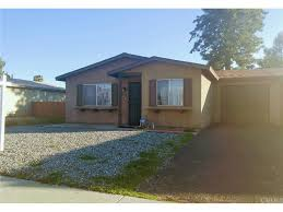 Saltbox Colonial 2053 Flores St Hemet Ca 92545 Mls Iv17018587 Redfin