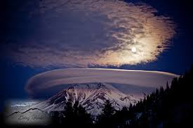A Place Lore Lenticular Cloud Mount Shasta The Mountain Is A Place Of