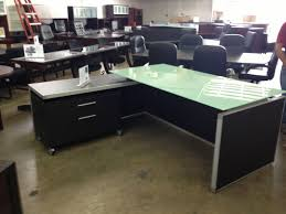 chiarezza eecutive l shaped desk split level white frost glass