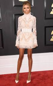 guiliana s giuliana rancic s 2017 grammys look is short lacy perfect for