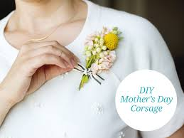 Mom To Be Corsage Diy Corsage For Mother U0027s Day