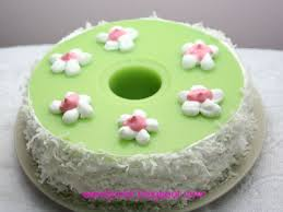 table for 2 or more pandan layer cake 香兰蛋糕