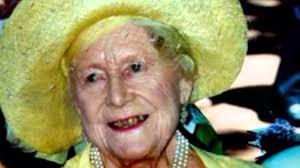 Queen Elizabeth Donald Trump Queen Elizabeth Is A Reptilian Shapeshifter Videos Pinterest