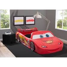 chambre enfant cars chambre enfant cars disney lit flash mcqueen lucio room