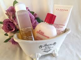 the beauty vine bath time with the beauty vine 4 the beauty clarins tonic bath shower concentrate rrp 38 00 aud clarins exfoliating body scrub rrp 45 00 aud