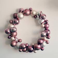 17 best christmas wreath decorating ideas images on pinterest