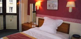 chambre hotel pas cher hôtel ville historique de rouen situé à côté de la cathédrale de