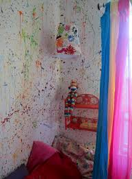 splatter walls in my daughters room painted the walls white then