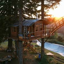 Real Treehouse This Guy U0027s Built The World U0027s Coolest Home A Treehouse With A