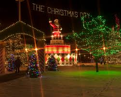The Best Christmas Light Displays by Magical Christmas Scene In Massachusetts Taunton Green Christmas