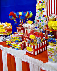 carnival party supplies carnival theme table table settings centerpieces