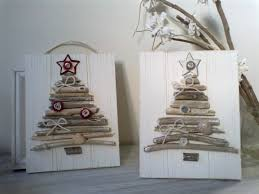 twigs from the garden to make natural christmas cards or gift tags
