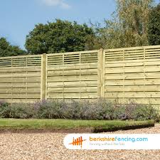 elite slatted top fence panels 5ft x 6ft natural berkshire fencing