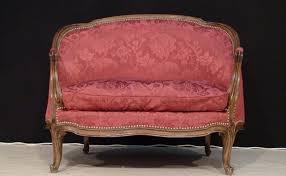 canap style louis xv les sièges de style louis xv meubles phares du xviiie siècle