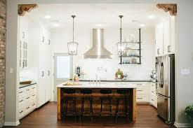 fixer white kitchen cabinet color fixer season 3 episode 5 the house of symmetry
