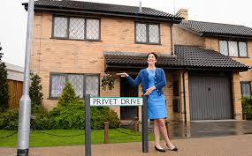 Harry Potter Home Harry Potter U0027s Home At Privet Drive Is Now Up For Sale Celebmix