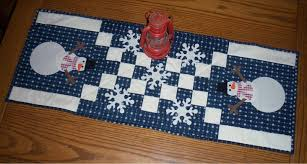friday finish snowman table runner