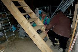 fabriquer porte de grange escaliers rénovation d u0027une ferme auvergnate