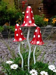 metallic tinkling toadstool garden ornament