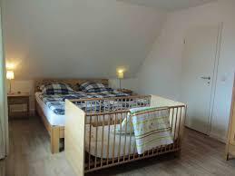 Schlafzimmer Einrichten Mit Kinderbett Fotos Ferienhaus Im Kanalblick