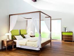 Schlafzimmer Hochzeitsnacht Dekorieren Romantisches Schlafzimmer Mit Himmelbett Gestalten Romantisches