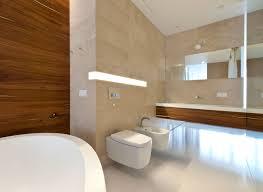 licht fã r badezimmer bad modern gestalten mit einbauwandleuchte und akzentwand in holz