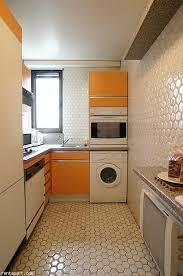 cuisine avec machine à laver machine a laver dans la cuisine la cuisine cacher votre disposition