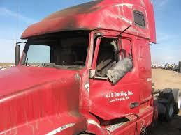 volvo white trucks for sale volvo vnl salvaged truck cab for a 2003 gmc volvo white vnl200 for