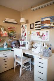 How To Arrange A Small Bedroom by Best 25 Small Sewing Rooms Ideas On Pinterest Small Sewing