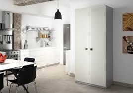 colonne rangement cuisine armoire de cuisine sur mesure rangement design pratique