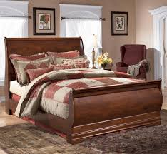 White Queen Sleigh Bed Signature Design By Ashley Wilmington Queen Louis Philippe Sleigh